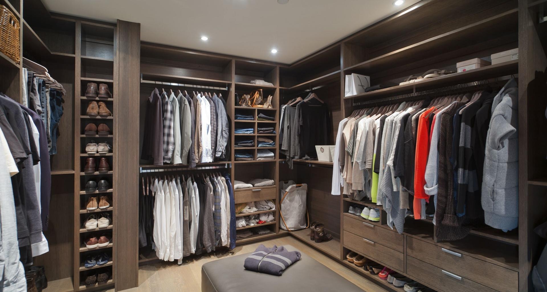 белая бумага комната одежды фото нужна просто